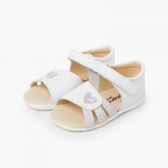 First steps girl sandal with heart White