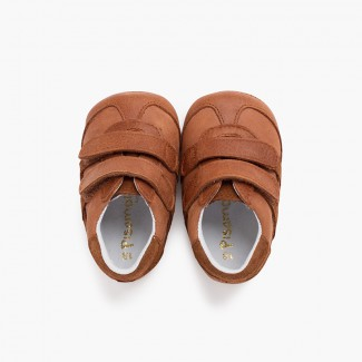 Sport baby shoe with adherent closures Tan