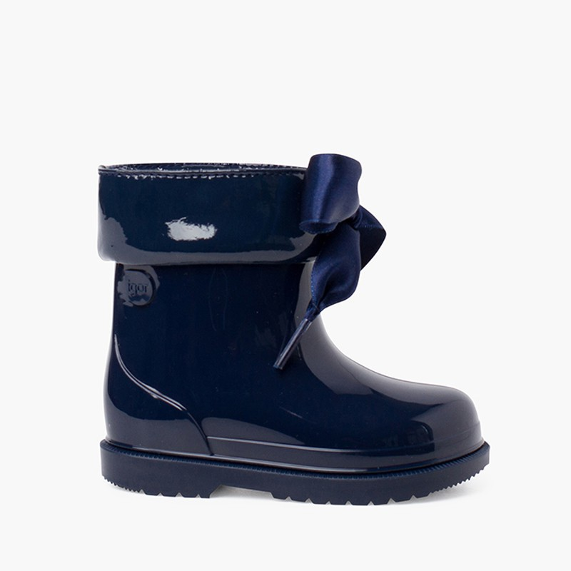 PATENT STYLE LOW-TOP WELLIES FOR GIRLS WITH BOW