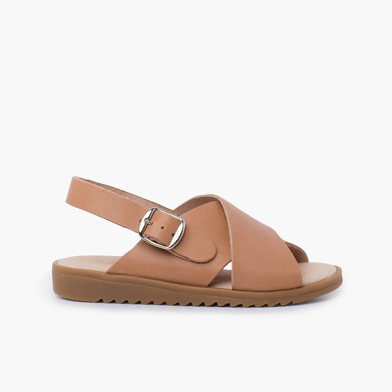 Crossed leather sandal with wide straps