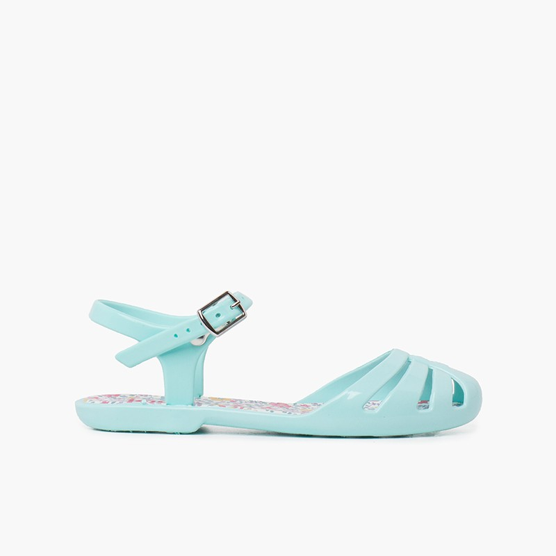 Sandals girl buckle plant flowers