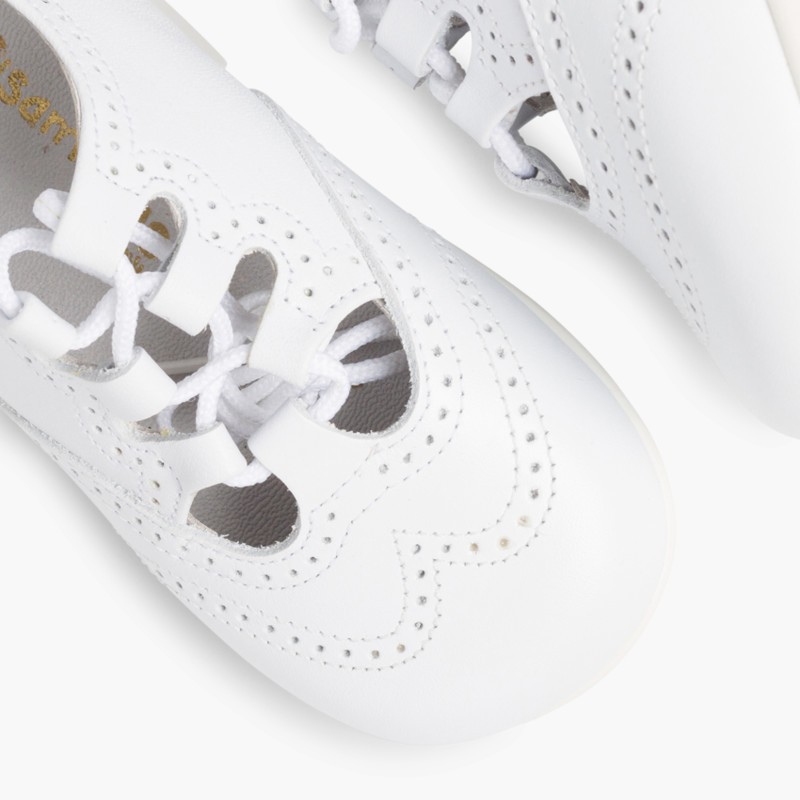 Leather Lace-Up Oxford Shoes white