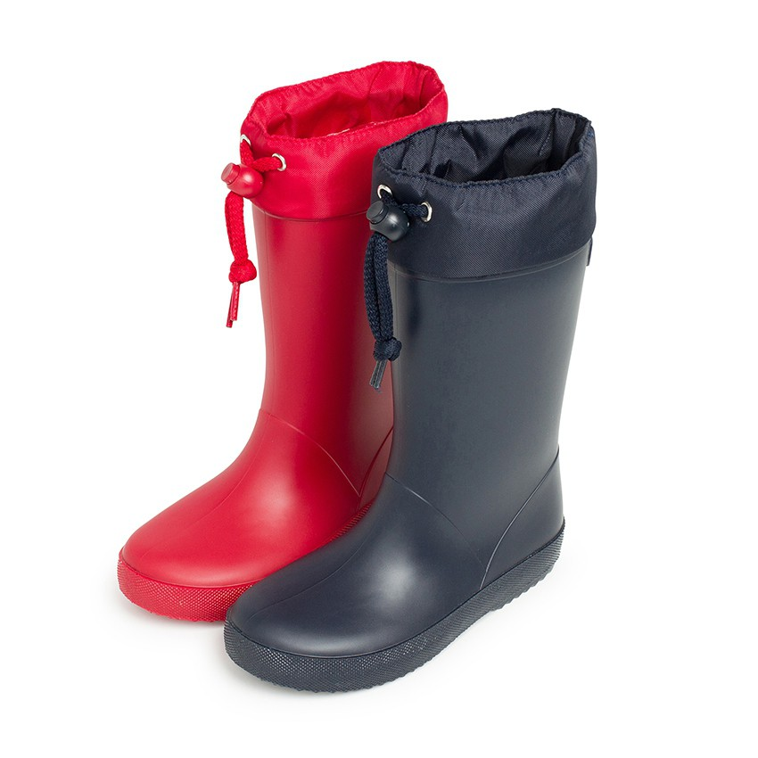 Adjustable high top wellington boots