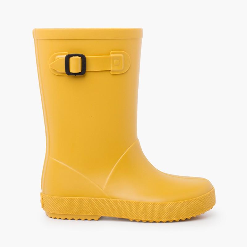Pastel buckle rain boots