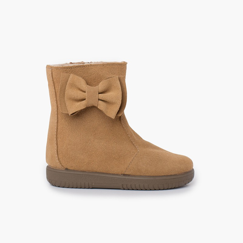 Girls suede boots with big side bow
