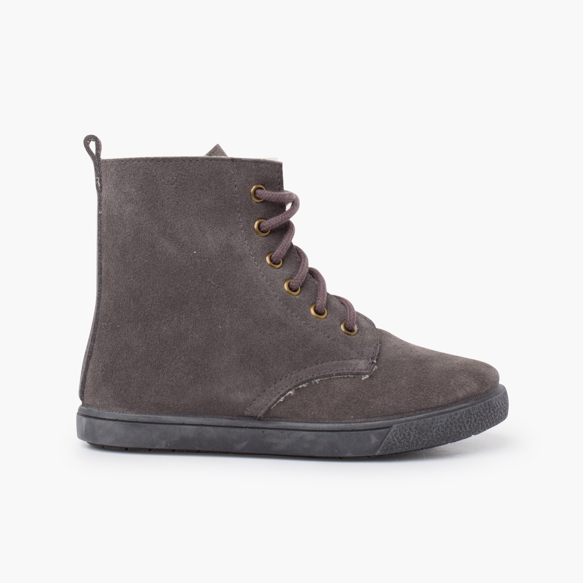 Shearling boot with side zipper laces